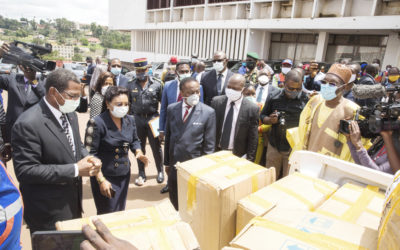 Lutte contre le coronavirus : Paul Biya offre 170 000 masques aux élèves et étudiants